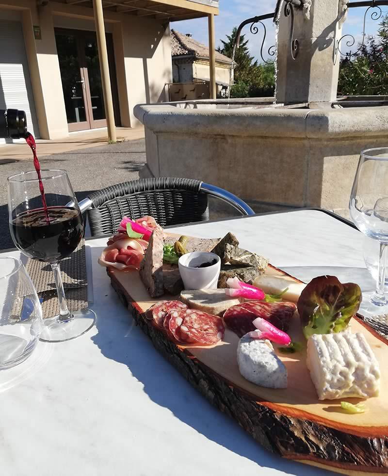 Bandeau-3_page-Carte-&-Formules_restaurant-gastronomique-drome_plaches-conviviales