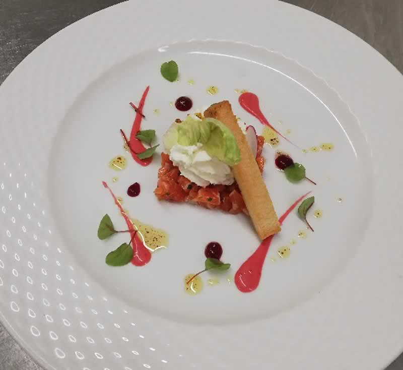 Bandeau-4_page-Carte-et-Formules_restaurant-gastronomique-drome_image-1-cote-fraicheur_tartare