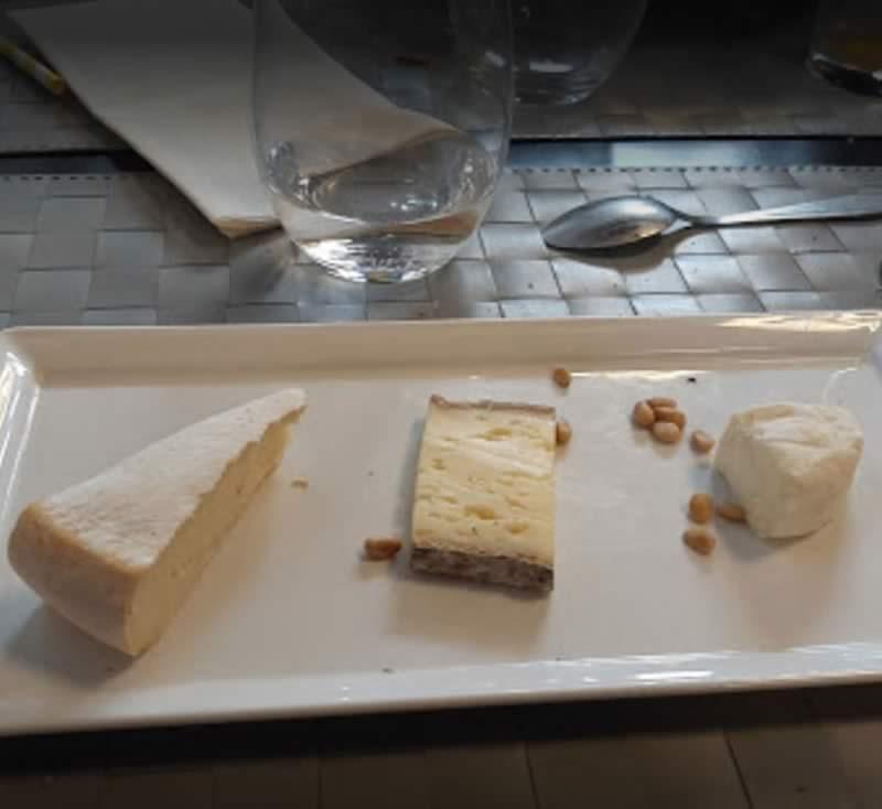 Bandeau-4_page-Carte-et-Formules_restaurant-gastronomique-drome_image-3-fromage