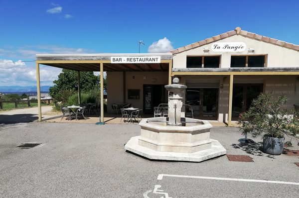 Cuisine conviviale et rafinée-centre du village-Restaurant La Pangée