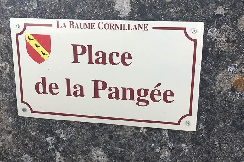 LA PANGEE-RESTAURANT-place du village